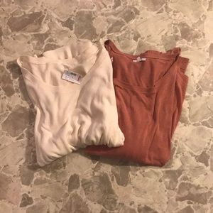 Set Of 2 Sweaters